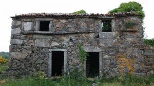 démolir une maison abandonnée